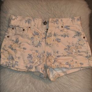 Forever 21 pale pink floral shorts